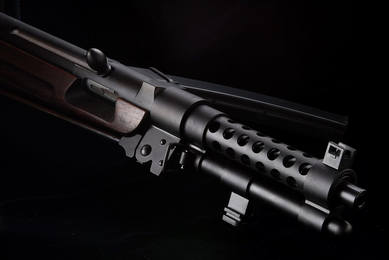 CAW 百式機関短銃「改修三型」鬼胡桃